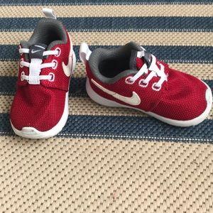 Nike Roshe- baby, size 5